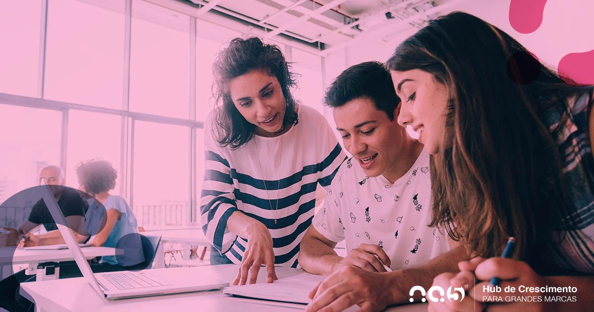 Ofereça a melhor experiência para alunos de universidade com HubSpot